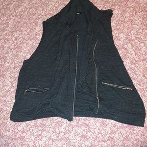 Layering soft vest with zippers